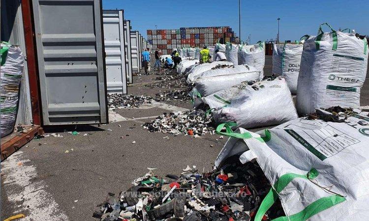 FOTO 15 containere cu 300 de tone de deşeuri din Germania, descoperite în Portul Constanţa