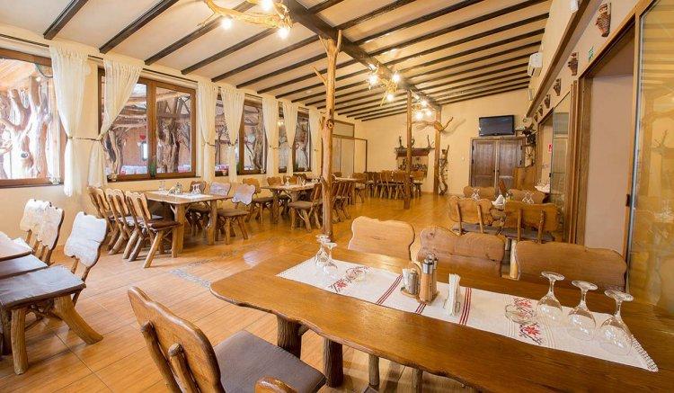 Restaurantele și barurile pot funcționa, de mâine, în intervalul orar 5:00-24:00