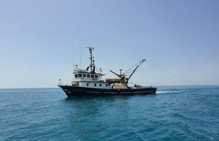 Pescador dat dispărut în Marea Neagră. Trei membri ai echipajului au fost găsiți morți