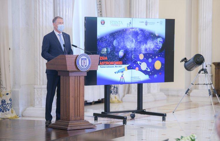 Iohannis, de Ziua Astronomiei: Este un domeniu care m-a pasionat dintotdeauna. Planeta noastră are resurse finite