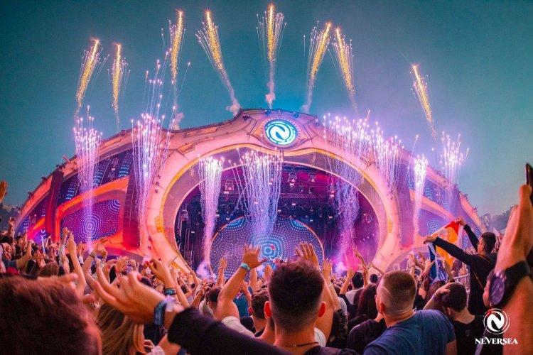Organizatorii Neversea anunţă că festivalul se reprogramează pentru o nouă dată, tot în 2021