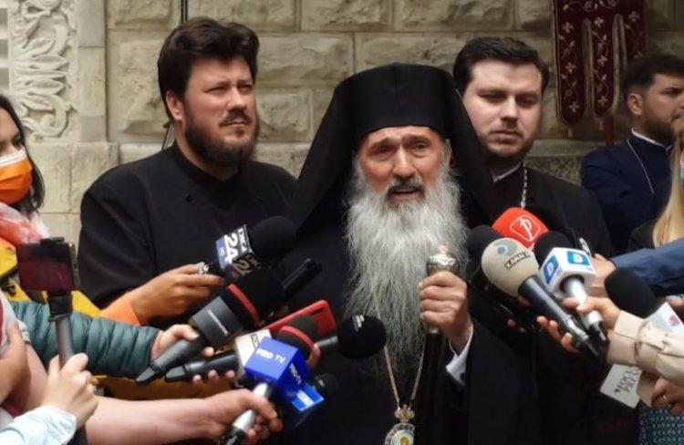 ÎPS Teodosie: Dumnezeu poate să îmi dea sancţiuni. Numai de sancţiunea lui Dumnezeu mă tem