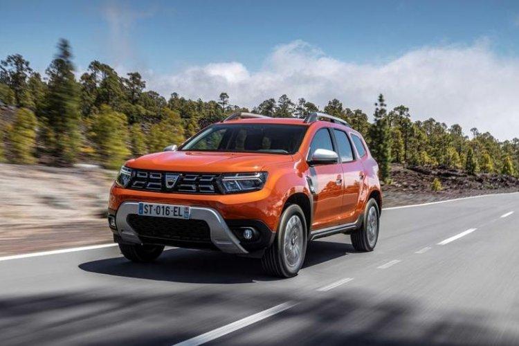 Dacia a prezentat primele fotografii cu Duster facelift. Mașina se lansează în septembrie