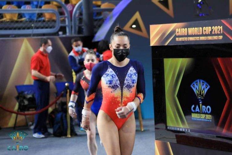 Gimnasta Larisa Iordache a cucerit aurul la bârnă, la Cupa Mondială de la Cairo