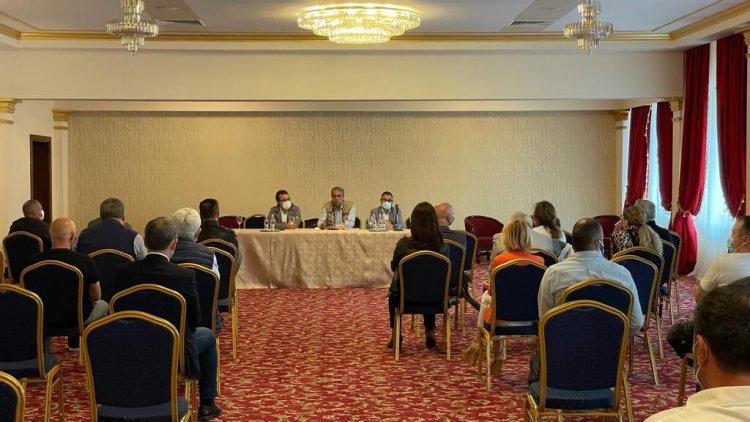 Întâlnire a autorităților locale cu reprezentanții mediului de afaceri din stațiunea Mamaia