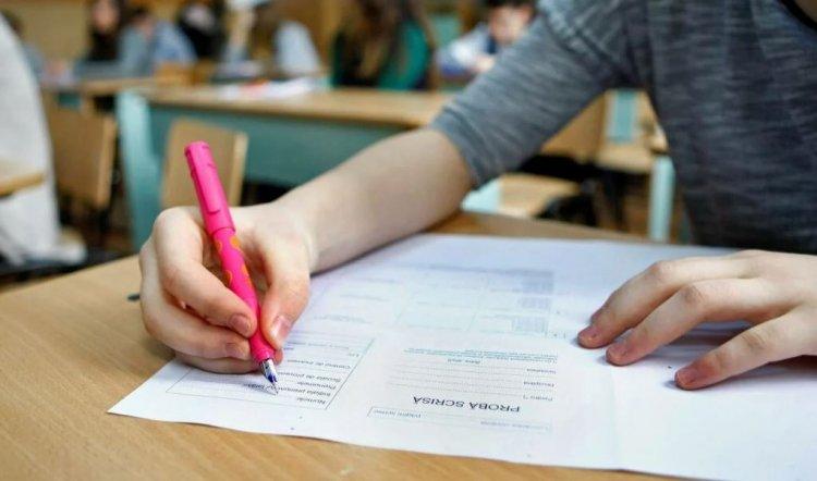 Peste 5.000 de absolvenți de liceu din Constanța susțin, astăzi, examenul de Bacalaureat