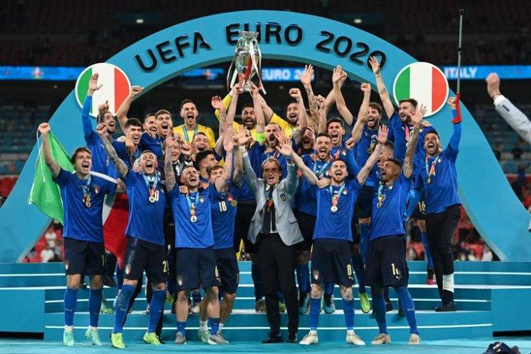Italia câștigă al doilea titlu european după  53 de ani