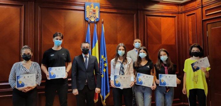 Prefectul Silviu Coșa a premiat elevii de 10 ai județului Constanța